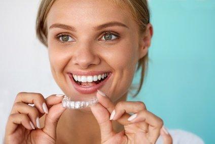 Durchsichtige Zahnschienen